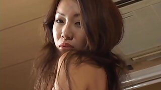 [LT18] GKB-012 - Devoted to Swimsuit Slavery