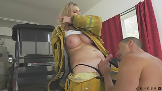 Well-endowed firefighter has a quickie with a stranger and her Bristols are so juicy