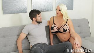 Alura is sex surpassing wings and that tall MILF loves giving head