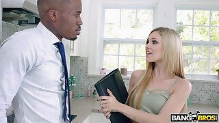 Sultry pornstar Kali Roses drops on her knees to explanations a BBC hard