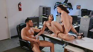 MILF tempts female and male colleagues into a trio